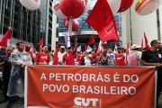 PP-Protesto-em-frente-a-sede-da-Petrobras-em-Sao-Paulo-foto-Paulo-Pinto-Fotos-Publicas0003